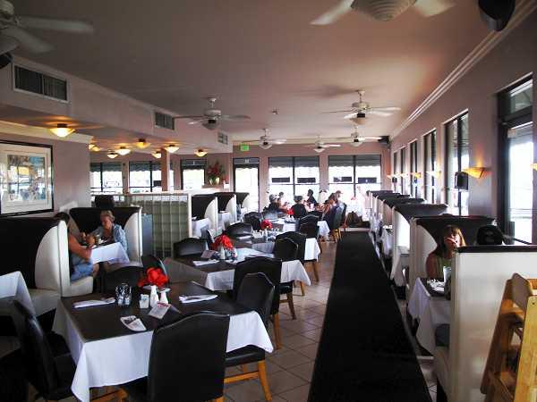 Maui:Marco's Grill & Deli