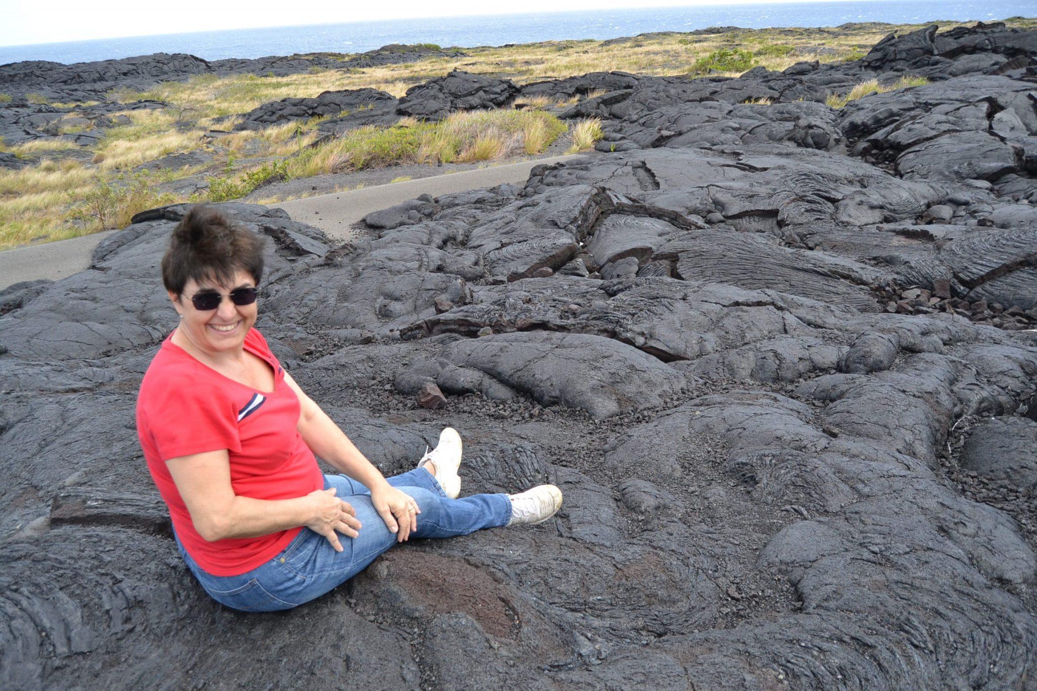 Antonietta seduta sulla lava fredda